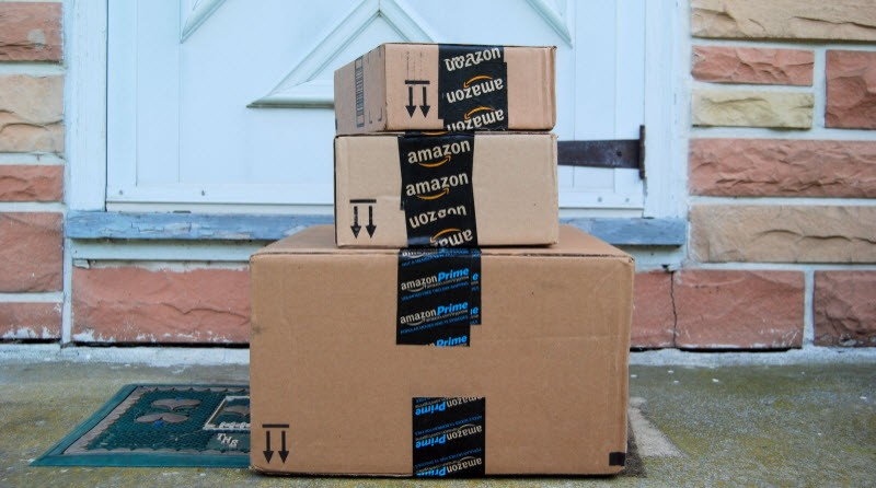 Amazon_boxes_on_front_porch_800x447